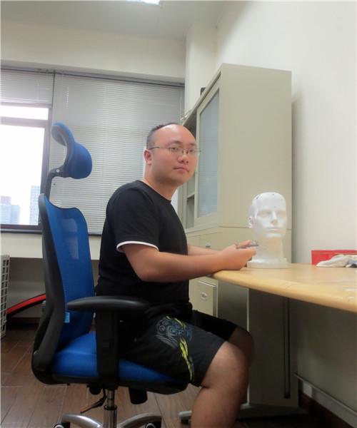 Yinlong Liu